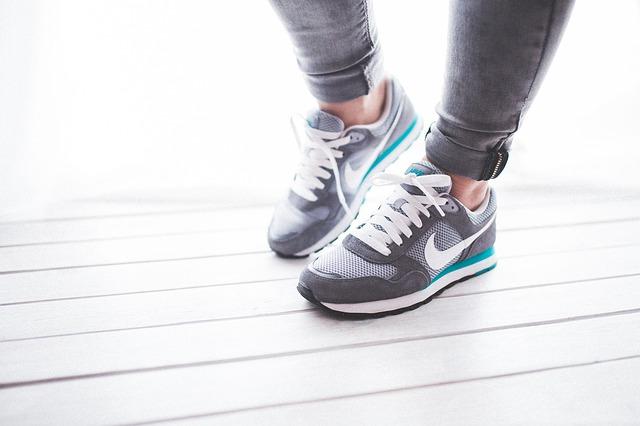 Top 5 ulubionych sportowych butów damskich, jakie sportowe buty kochają kobiety?