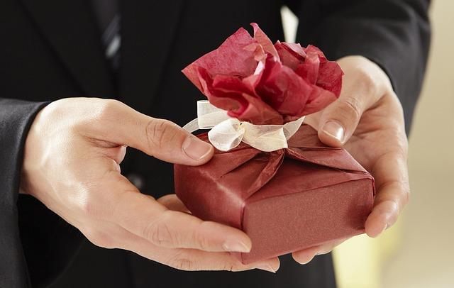 Jaki prezent dla mężczyzny? Co dać mężczyźnie na prezent?